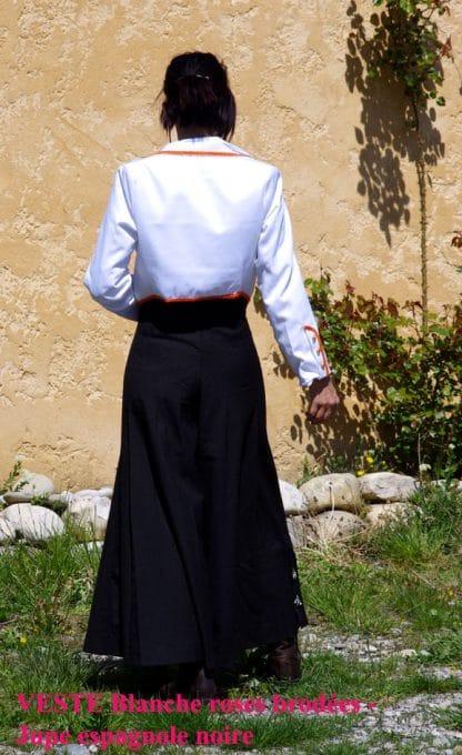 veste et jupe traditionnelles