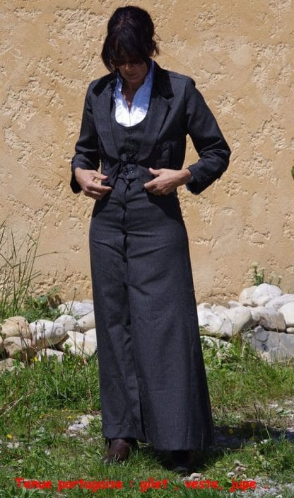 Costume d'équitation portugaise traditionnelle